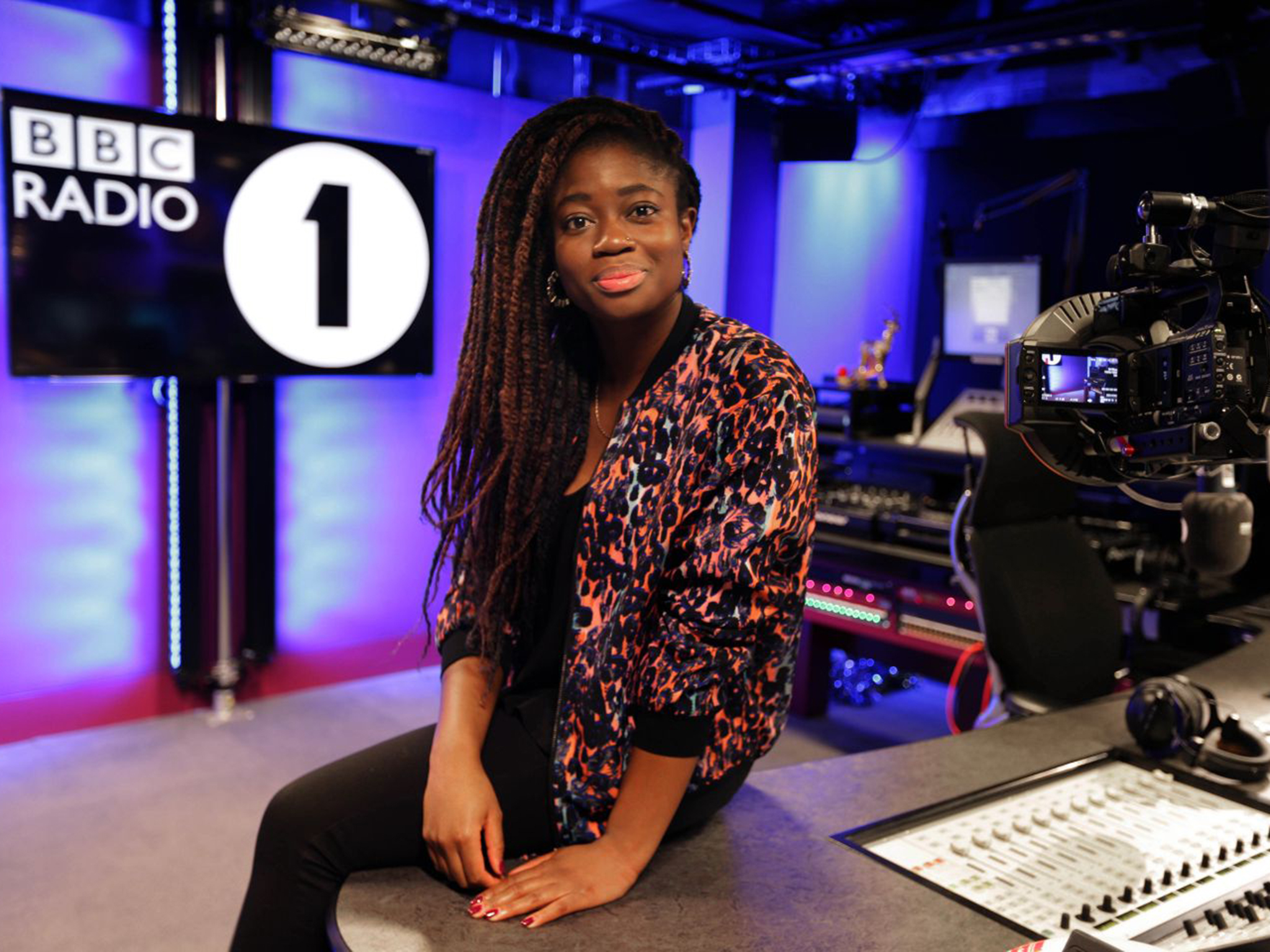 Clara Amfo gains weekday show as Fearne quits